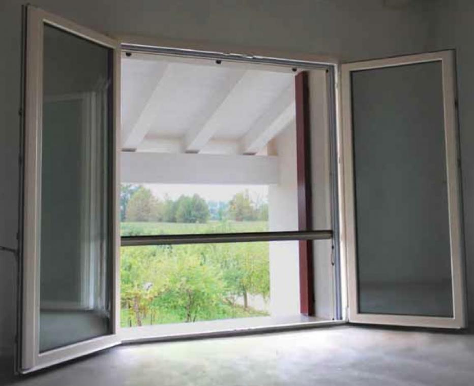 Zanzariere orizzontali verticali a pannelli scorrevoli - Zanzariere per finestre ...